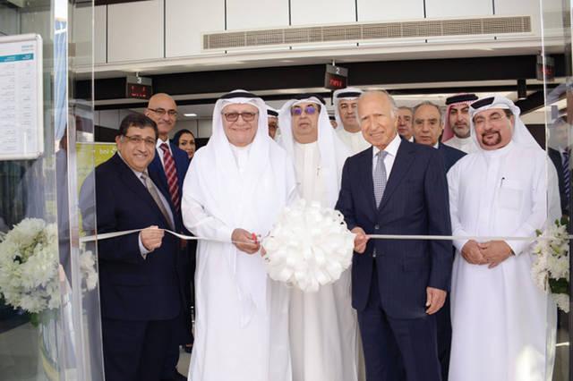 أثناء افتتاح الفرع الجديد في المنامة