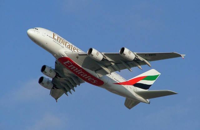 """إحدى الطائرات التابعة لشركة """"طيران الإمارات"""""""