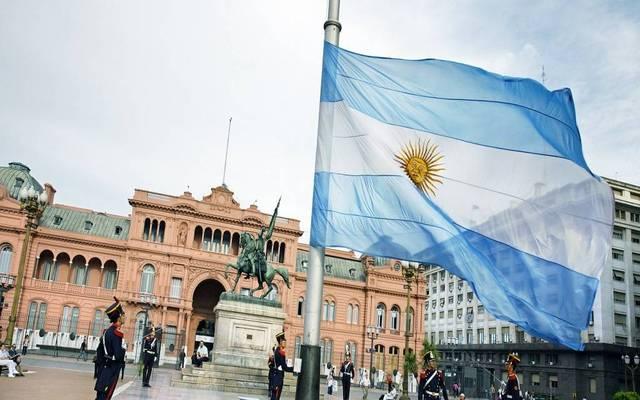 عملة الأرجنتين تواصل الهبوط القياسي