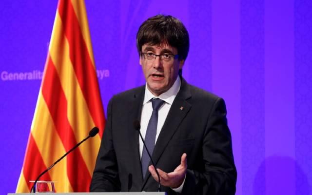 زعيم كتالونيا يوقف إعلان الانفصال عن إسبانيا