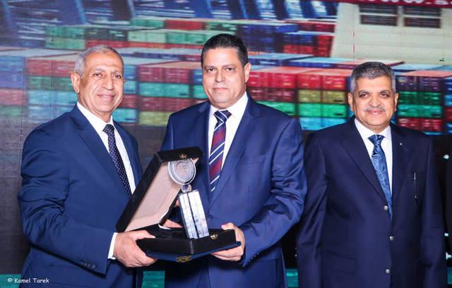جانب من فوز ميناء دمياط بجائزة أفضل ميناء تجاري في تطبيق منظومة النقل متعدد الوسائط
