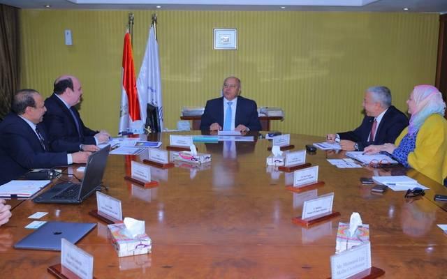 النقل المصرية تبحث إنشاء محطة غاز مُسال لتموين سفن دمياط