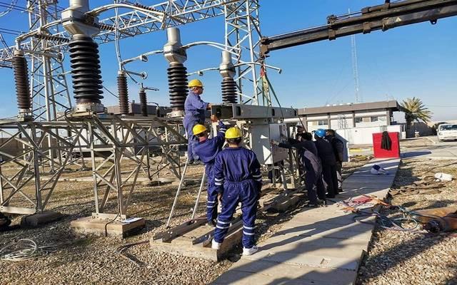 عمالة عراقية داخل محطات لنقل وتوزيع الكهرباء، أرشيفية