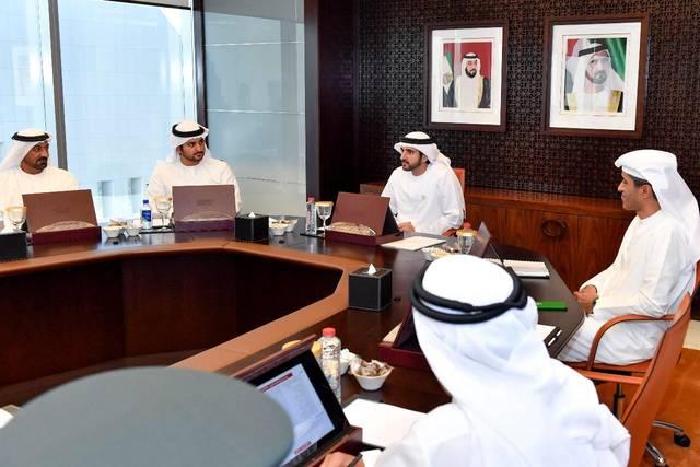 """لمواجهة تفشي كورونا.. حكومة دبي تفعل نظام """"العمل عن بعد"""" بنسبة 100%"""