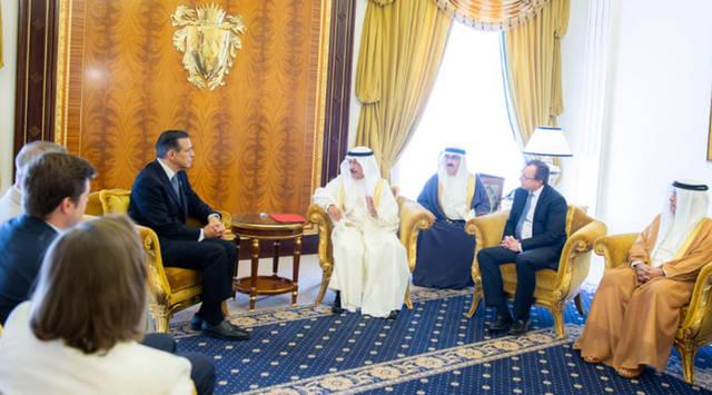 على هامش الاستقبال في مملكىة البحرين