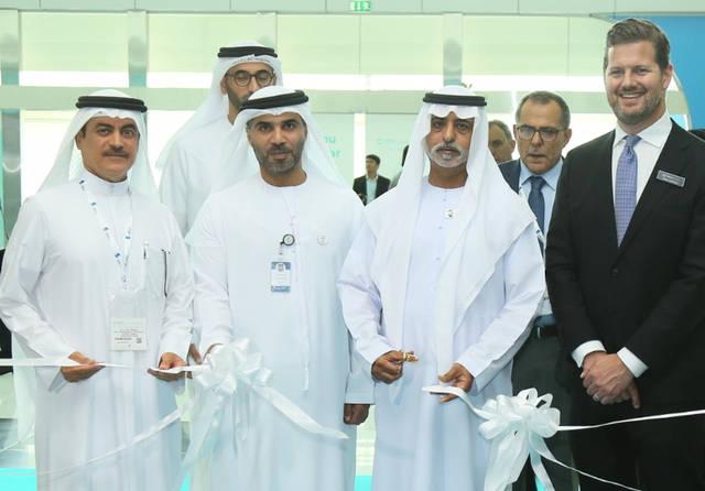 الشيخ نهيان بن مبارك وزير التسامح الإماراتي وبعض المسؤولين أُثناء افتتاح المعرض
