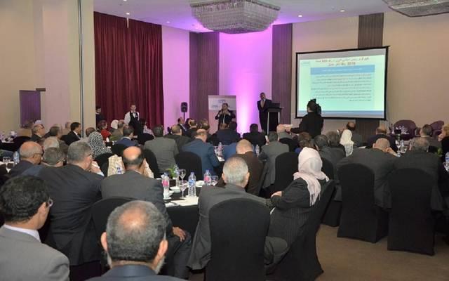 هشام توفيق خلال ورشة عمل لتأهيل الشركات الحكومية لبرامج الطروحات