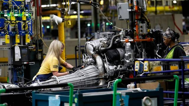 General Motors to move 1,350 temporary workers to full-time jobs