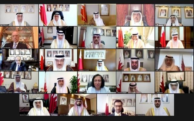 جانب من المشاركين في اجتماع مجلس الوزراء البحريني