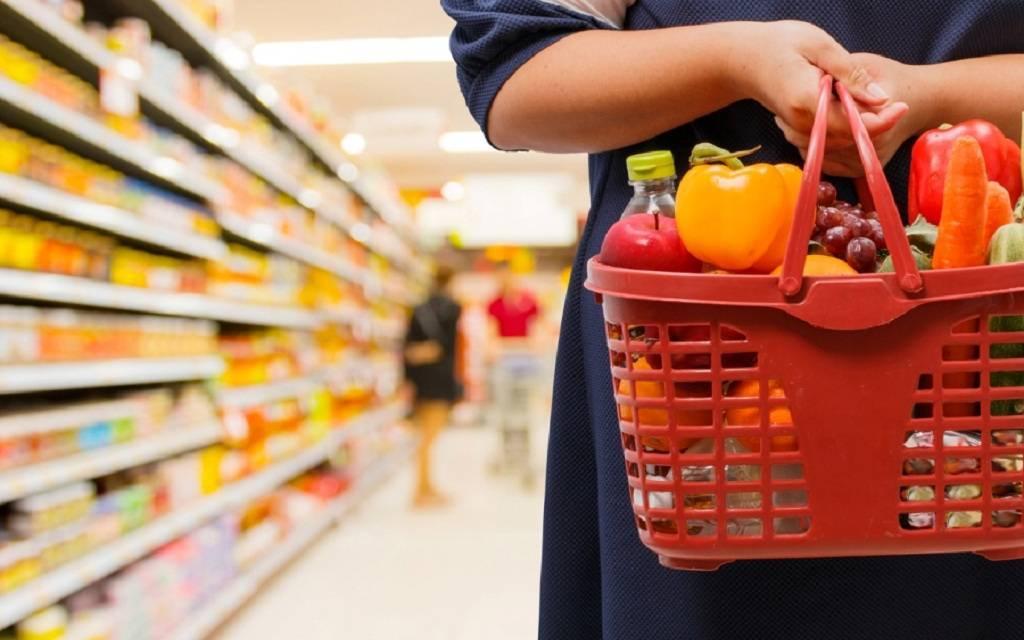 تحسن ثقة المستهلكين في منطقة اليورو بأكثر من التوقعات