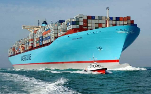 قناة السويس: عبور 48 سفينة بحمولات  3.9 مليون طن