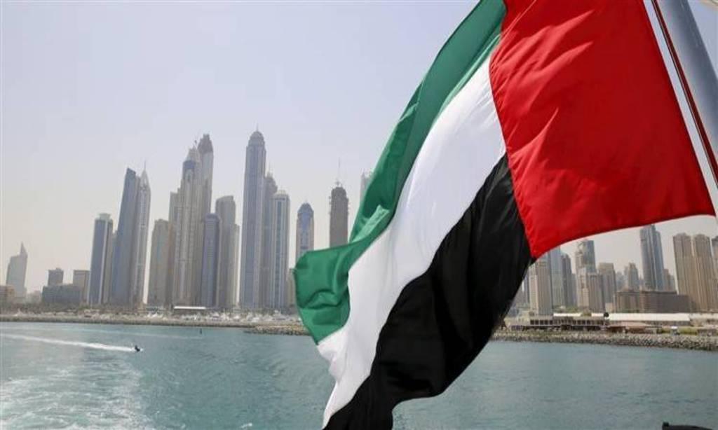 الإمارات تحدد موعد عودة حاملي الإقامات الموجودين بالخارج