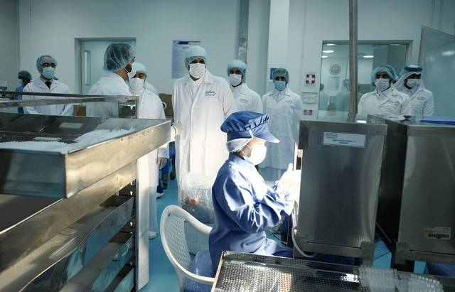 عمليات فحص عينات لمرضى كوفيد 19
