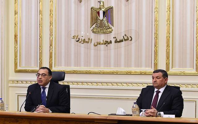 """الوزراء المصري يطمئن على توافر الأدوية الخاصة ببروتوكولات علاج """"كورونا"""""""