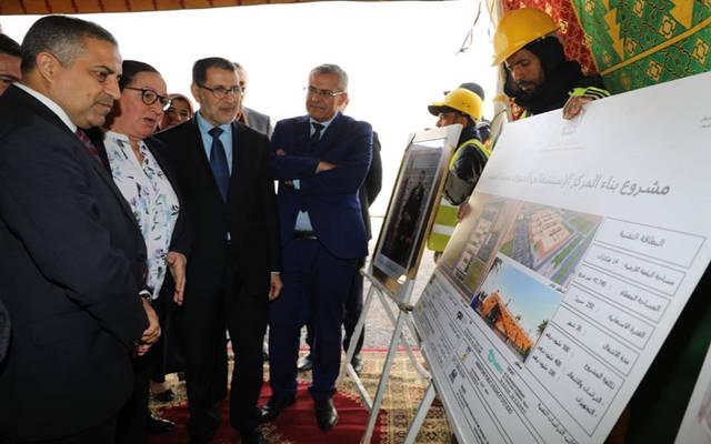 رئيس الحكومة المغربية سعد الدين العثماني يستمع لشرح حول تفاصيل مشروع المركز الاستشفائي في كلميم