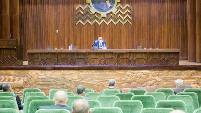 خلال اجتماع عقده وزير الموارد المائية والري، مع القيادات التنفيذية بهيئة الصرف