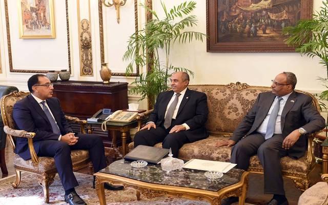 خلال لقاء رئيس الوزراء المصري بالسفير الإماراتي