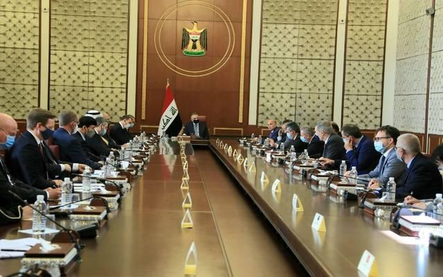 رئيس مجلس الوزراء، مصطفى الكاظمي، خلال استقباله سفراء 25 دولة لمناقشة التطورات الأخيرة فيما يتعلق بأمن البعثات الدبلوماسية في العراق