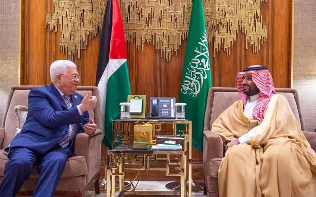 جانب من لقاء ولي العهد السعودي الأمير محمد بن سلمان والرئيس الفلسطيني محمود عباس
