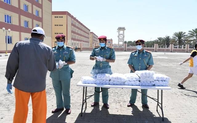 توزيع  كمامات طبية في الإمارات