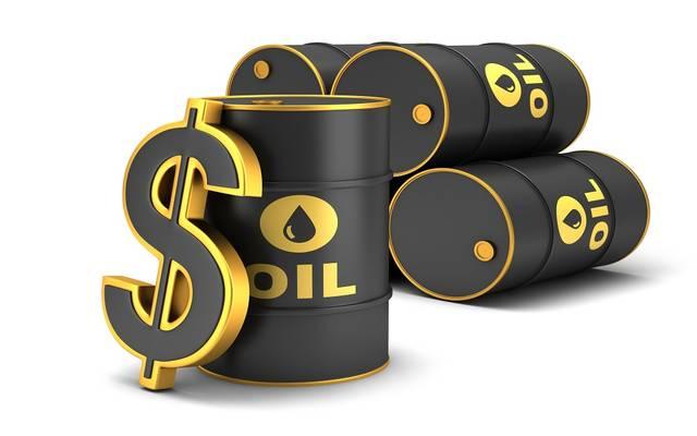 النفط يرتفع عند التسوية بعد جلسة متقلبة