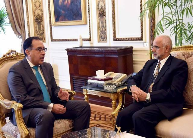 رئيس الوزراء المصري خلال لقاء سفير سلطنة عمان في القاهرة