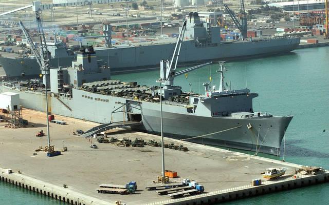 ميناء الشويخ في الكويت
