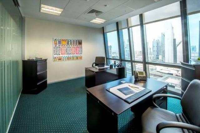 صورة أرشيفية من أحد المكاتب في دبي