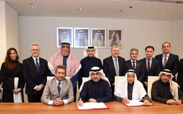 جانب من توقيع التفاقية