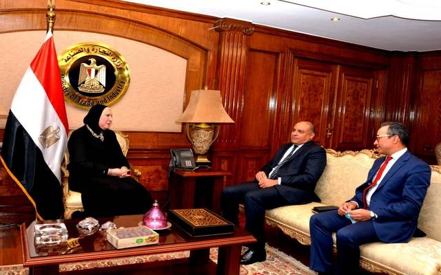 خلال لقاء وزيرة الصناعة المصرية، مع العضو المنتدب للتجاري وفا بنك