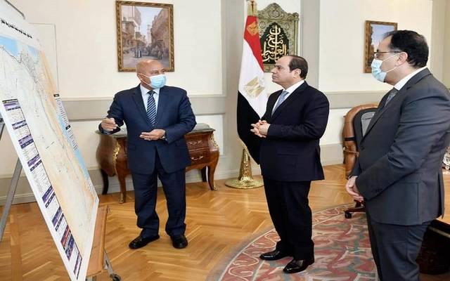 الرئيس السيسي يطلع على مخطط تطوير شبكة السكك الحديدية وربط مسارات القطار الكهربائي الجديد