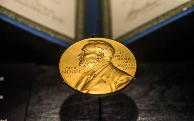 تحليل.. الفائزان بجائزة نوبل VS مستقبل الاقتصاد