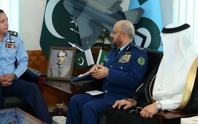 صورة من لقاء رئيس هيئة الأركان العامة السعودي برئيس هيئة الأركان العامة للقوات المسلحة الباكستانية