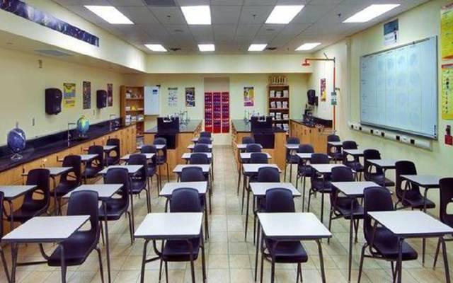 الكويت تعلن تأجيل سداد أقساط الرسوم الدراسية المستحقة على طلبة المدارس الأجنبية