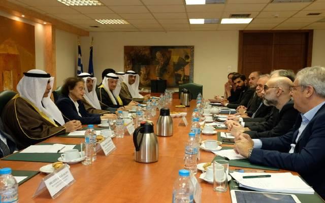 الكويت تبحث مع اليونان تعزيز التعاون الاقتصادي
