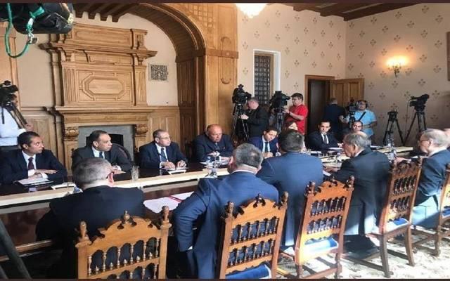 وزير الخارجية المصري يعقد جلسة مباحثات مع نظيره الروسي