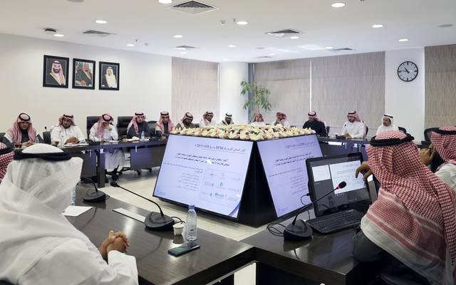 خلال الاجتماع مع فريق عمل مشروع عدادات الكهرباء الذكية