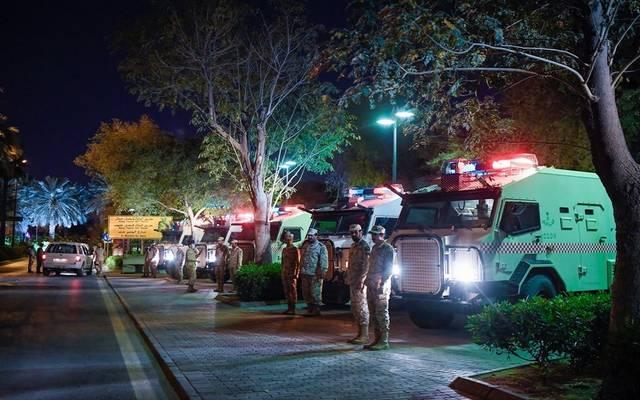 قوات الأمن تتابع قرار منع التجول بالسعودية