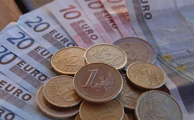Euro slips on soft European factory activity amid thin trade