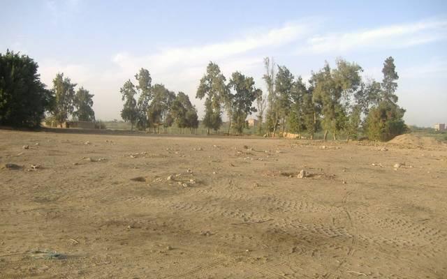 الأرض محل البيع تقع بمنطقة شرق الأحمدي