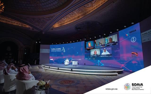 جانب من القمة العالمية للذكاء الاصطناعي في يومها الأول