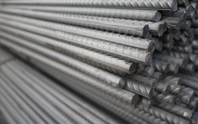 إنفوجرافيك.. تطور أسعار الحديد والأسمنت بالسعودية خلال عام 2020