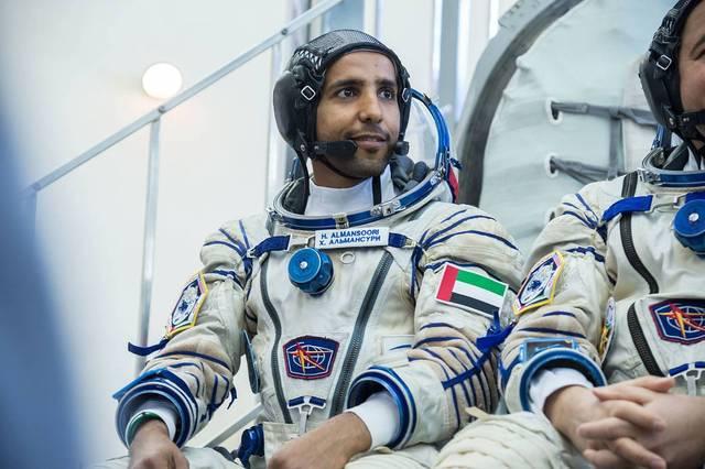 أول رائد فضاء إماراتي جاهز للانطلاق (صور)