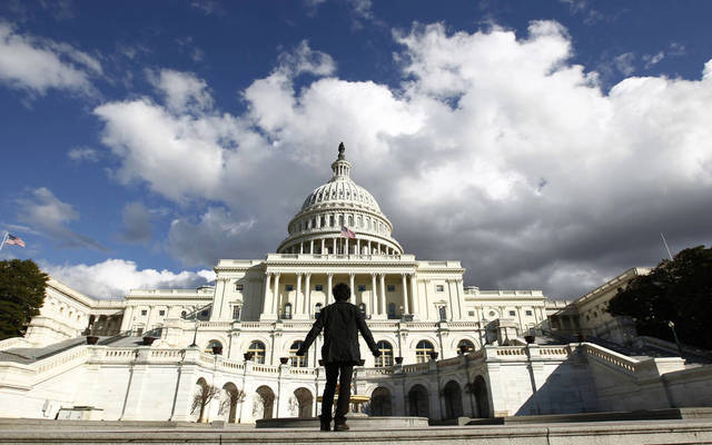 غرفة التجارة الأمريكية تطالب الكونجرس وترامب بإنهاء النزاع الراهن