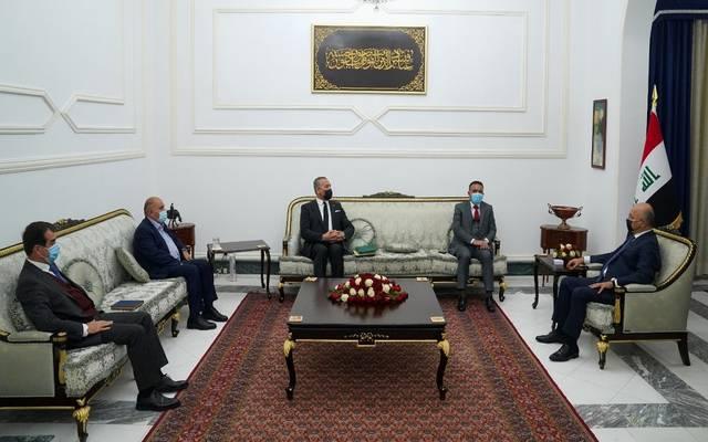 خلال استقبال رئيس الجمهورية العراقي برهم صالح لوزير الصحة والبيئة بقصر السلام في بغداد