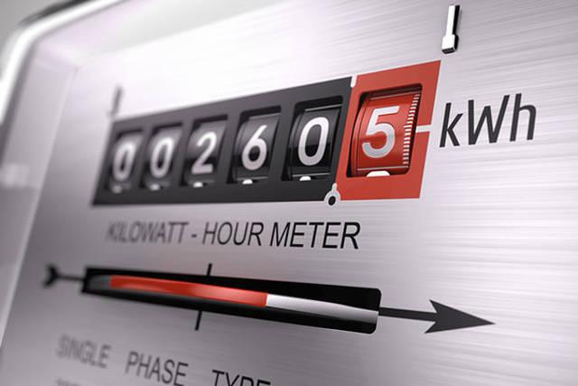بعد تخفيض الأسعار.. كيف تحسب فاتورة الكهرباء للوافدين بالإمارات؟