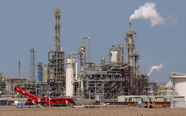 أحد مشاريع البتروكيماويات في الكويت