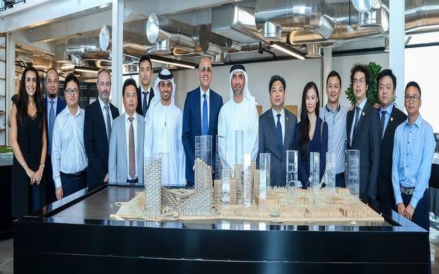 جانب من توقيع اتفاقية الشراكة بين الجانبين الإماراتي و الصيني