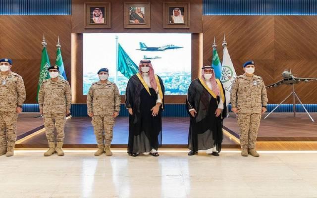 الأمير خالد بن سلمان بن عبدالعزيز في مقر الجوية الملكية السعودي