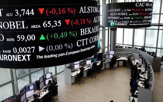محدث.. الأسهم الأوروبية تستقر بالختام لكنها تسجل خسائر أسبوعية